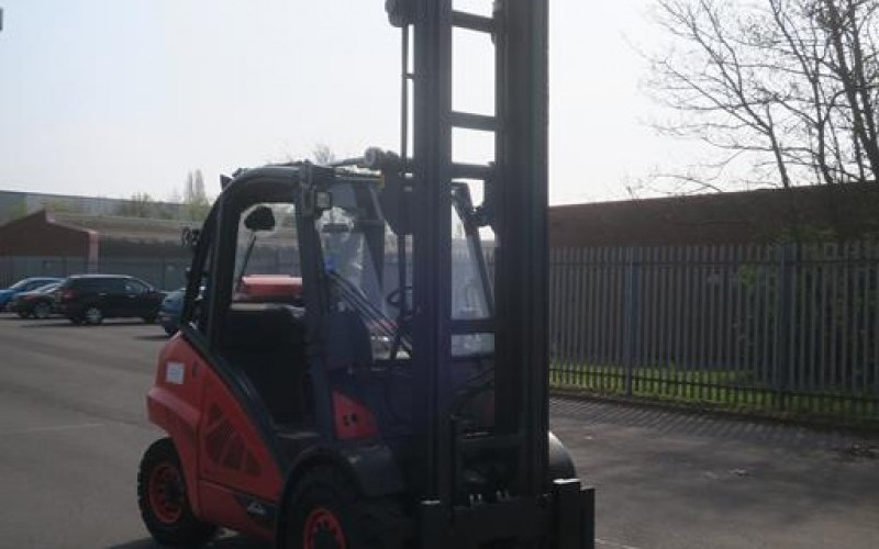 Sale of Late Model Forklifts and SweeperSale of Late Model Forklifts and SweeperSale of Late Model Forklifts and SweeperSale of Late Model Forklifts and Sweeper
