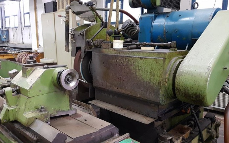 Newall/Churchill Model 'D' Roll Grinder