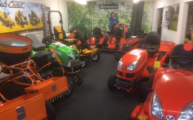 A Large Selection of a Commercial Groundcare EquipmentA Large Selection of a Commercial Groundcare EquipmentA Large Selection of a Commercial Groundcare EquipmentA Large Selection of a Commercial Groundcare Equipment